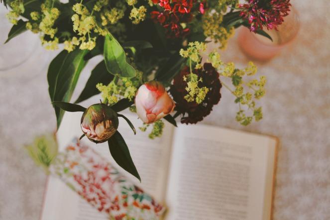 BooksAndFlowers_01